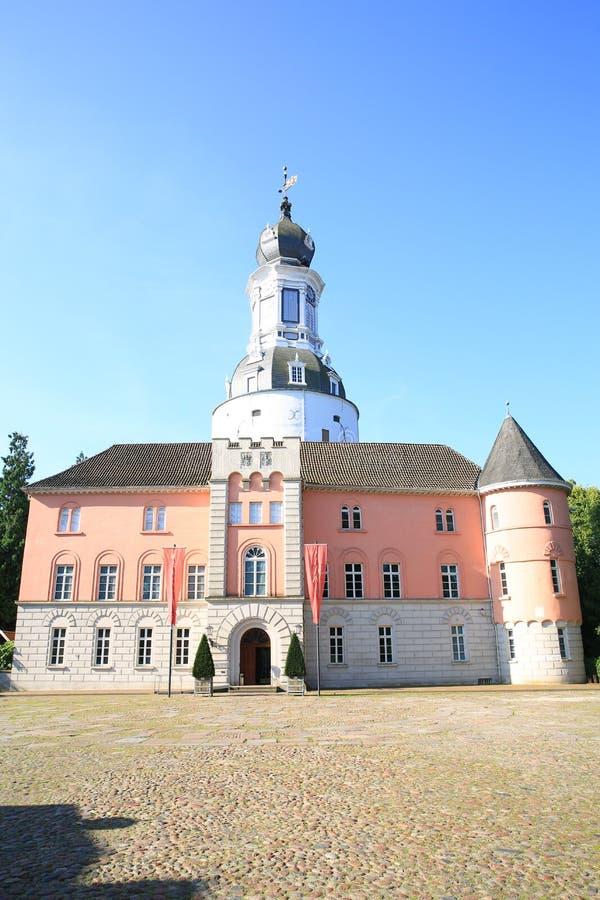Historisch en mooi Kasteel Jever in Friesland, Nedersaksen, Duitsland royalty-vrije stock foto