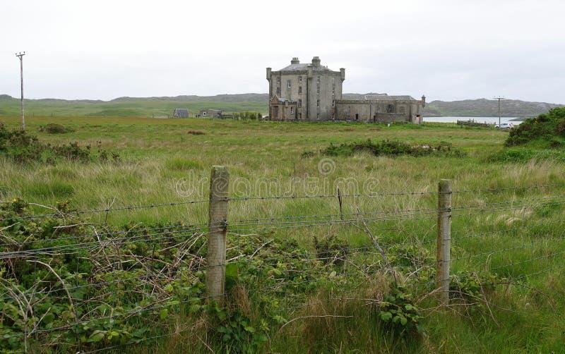 Historisch kasteel op Schots eiland stock afbeeldingen