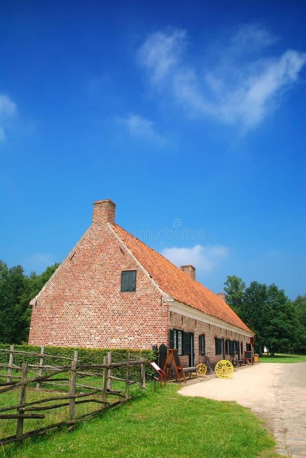 Historisch landbouwbedrijfhuis royalty-vrije stock afbeeldingen
