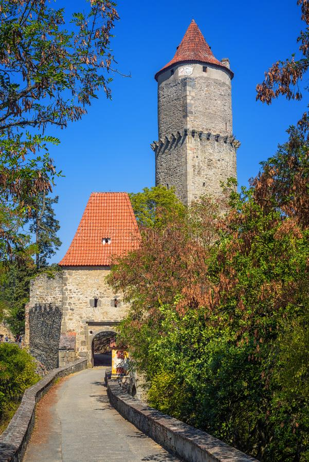 Historisch middeleeuws gotisch kasteel van Zvikov, Tsjechische Republiek stock afbeelding