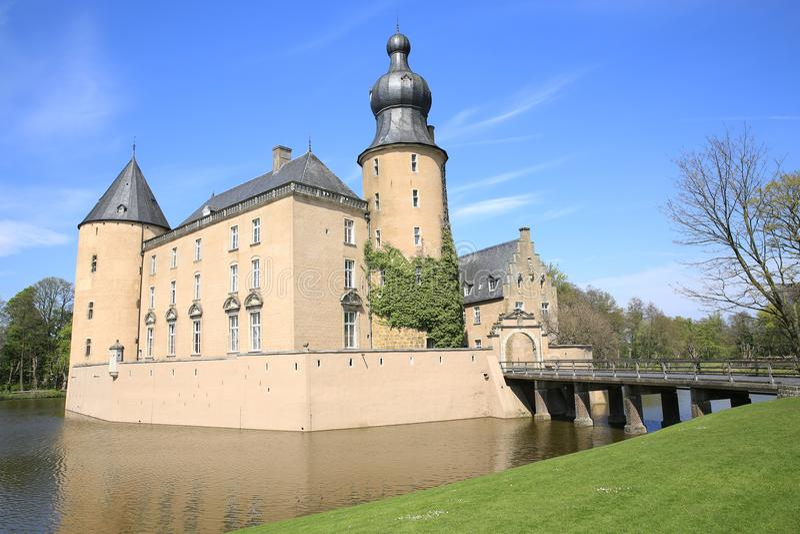 Historisch moated Kasteel Gemen in Bocholt, Duitsland royalty-vrije stock afbeelding
