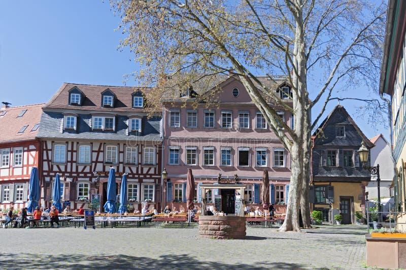 Frankfurt Höchst Restaurant : historisch paleisvierkant in frankfurt hoechst ~ A.2002-acura-tl-radio.info Haus und Dekorationen