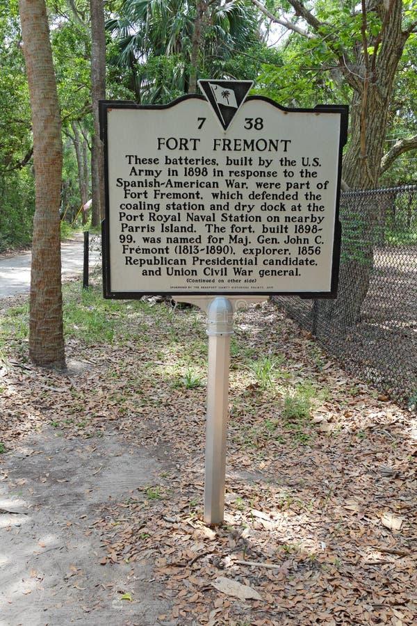 Historisch teken voor de batterijen van Fortfremont stock foto's