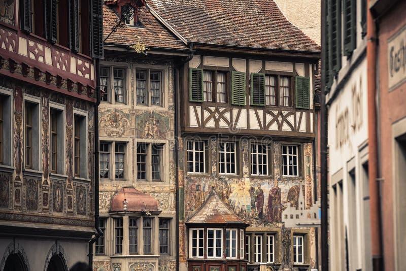 Historisch van Architectuur en Muurschilderij in Stein Am Rhein City, Zwitserland, Art Medieval en Traditioneel van Zwitser, Reis royalty-vrije stock foto's