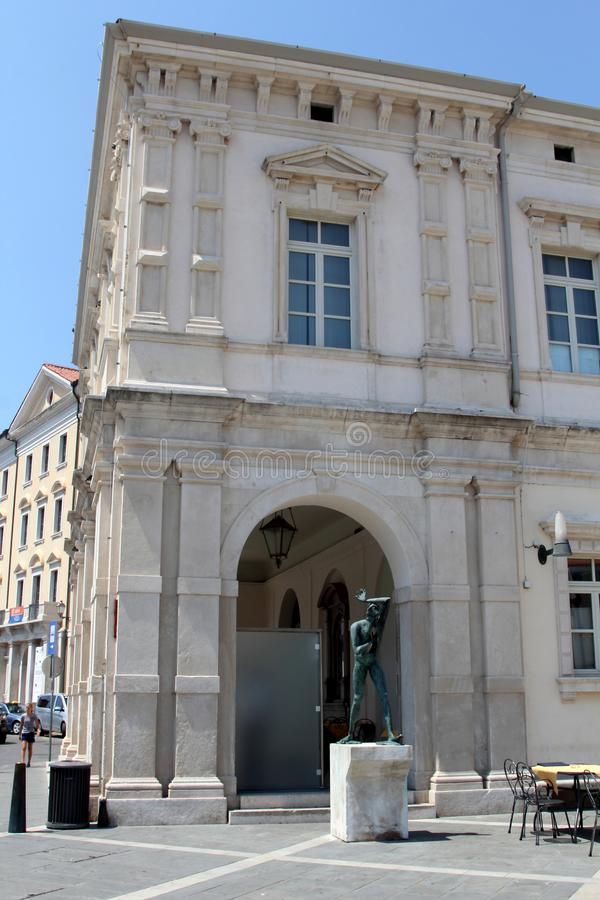 Historische architectuur van Piran, Slovenië stock foto's