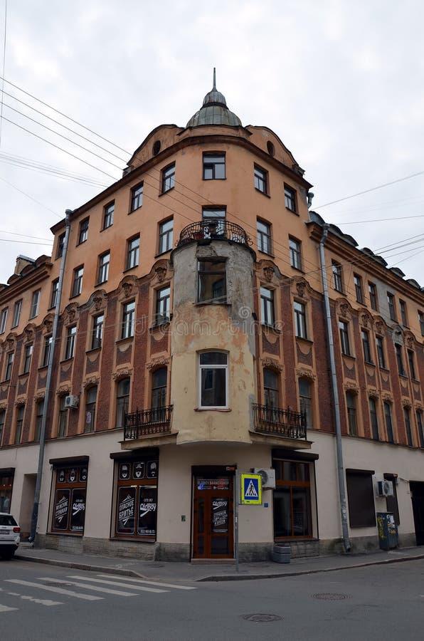 Historische architectuur van St. Petersburg stock afbeeldingen