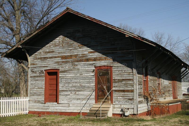 Historische Bahnstation im SchönheitMina Alabama lizenzfreie stockfotos