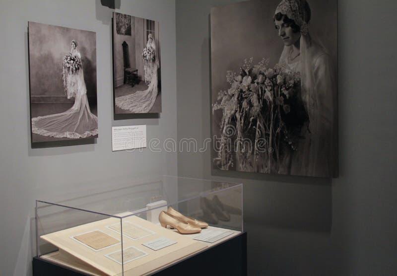 Historische beelden van jonge bruid en huwelijkskledij, het Instituut van Albany van Geschiedenis en Kunst, New York, 2016 royalty-vrije stock foto's