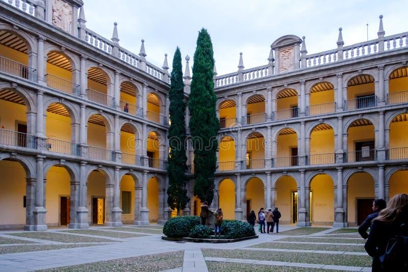 Historische binnenplaats van Spaanse universiteit van Alcala DE Henares, S royalty-vrije stock foto's