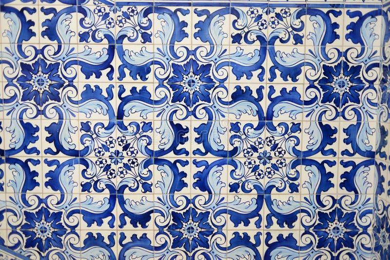 Historische blaue Fliesen vom orientalischen Porzellan Asien stockfotos