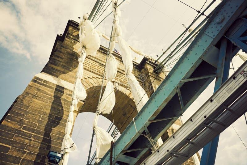 Historische Brücke in Cincinnati stockfotos
