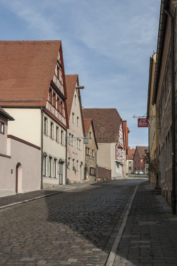Historische bunte Fachwerkhäuser im mittelalterlichen Stadt-Rothenburg-ob der Tauber, eins der schönsten Dörfer in Europa stockfotografie