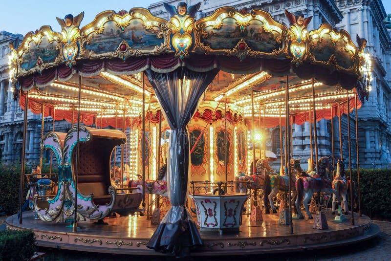 Historische Carrousel in Adriano Parc in Rome stock fotografie