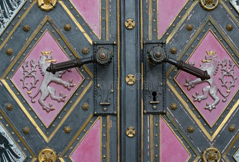 historische deur in Praag stock fotografie