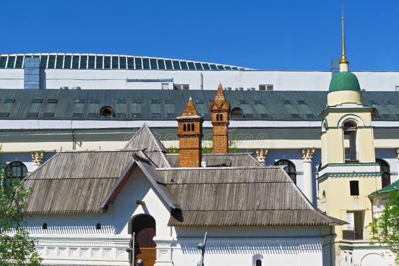 Historische en moderne daken royalty-vrije stock foto
