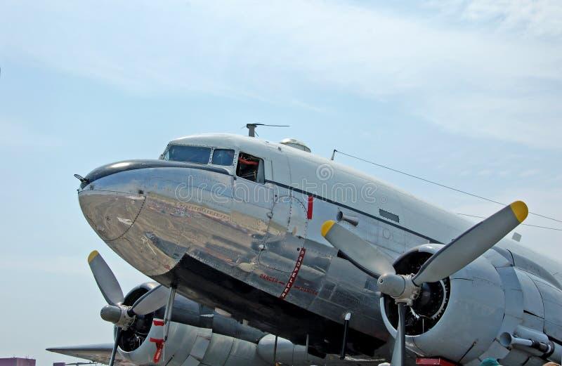 Historische Flugzeuge Douglas-DC-3 stockbilder