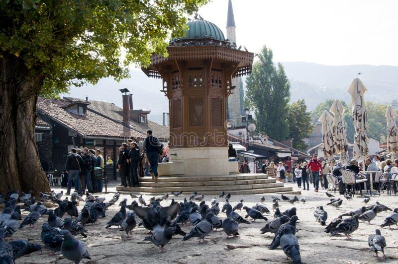 Historische fontein in Sarajevo, Bosnië-Herzegovina stock afbeelding
