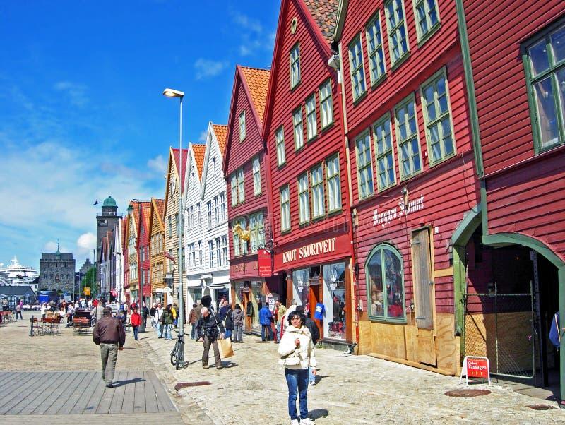 Historische Häuser des alten Stadtstandorts Bryggen in Bergen lizenzfreie stockbilder