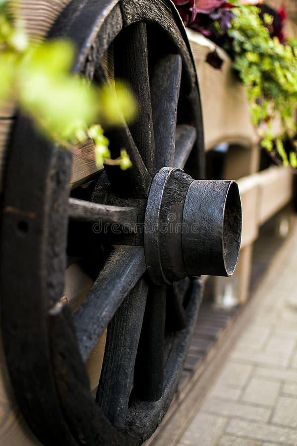 Historische houten whell van paardkoppeling stock afbeelding
