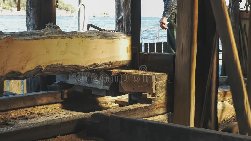 Historische huon Kiefernsägemühle an strahan in Tasmanien stockfotografie