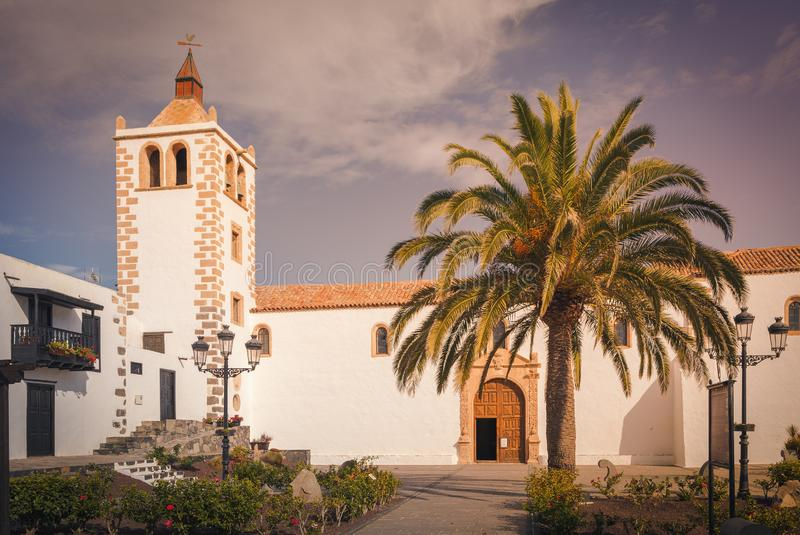 Historische Kathedrale von Santa Maria von Betancuria auf Fuerteventura Islan, Kanarische Inseln, Spanien lizenzfreie stockfotos