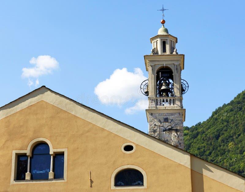 Historische kerk in Tremezzo-stad stock afbeeldingen