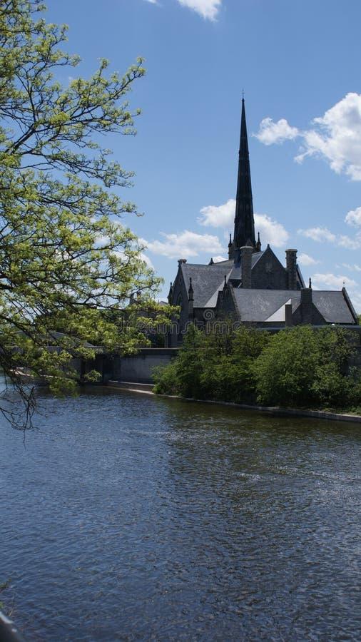 Historische Kirche des großartigen Flusses, die zu den 1800s datiert lizenzfreie stockfotos