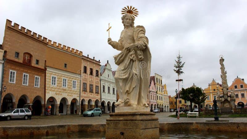 Historische Mitte von TelÄ- mit Statue von heiliger Margaret lizenzfreie stockfotos