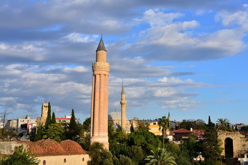 Historische Oriëntatiepunt Gegroefte Minaret - Yivli Minare royalty-vrije stock afbeelding
