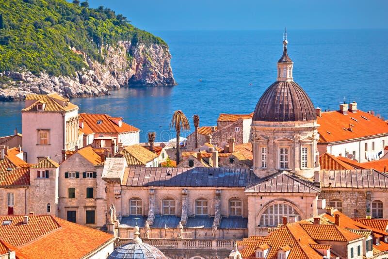 Historische oriëntatiepunten van oude het eilandmening van Dubrovnik en Lokrum- royalty-vrije stock fotografie