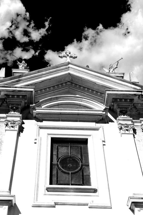 historische oude christelijke oud van Europa in religi van Italië Milaan stock foto's