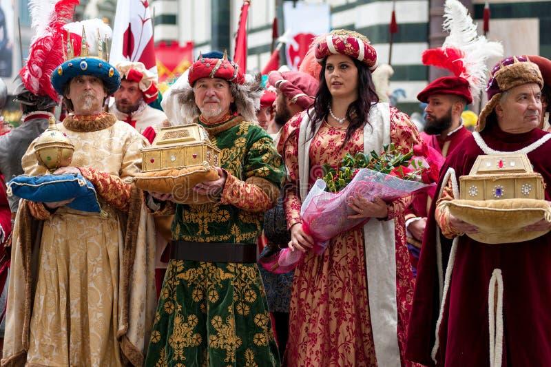 Historische parade in Florence, met supplementen in vlezige kostuums royalty-vrije stock afbeelding