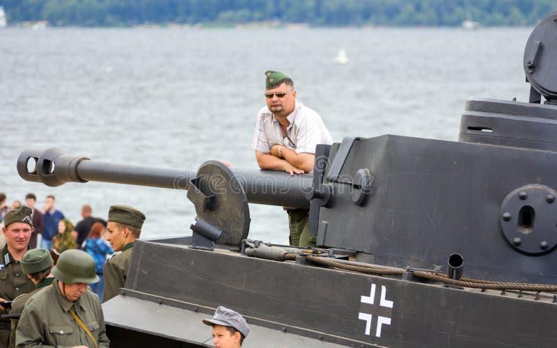 Historische Rekonstruktion des zweiten Weltkriegs Deutscher Behälter 'Tiger ' lizenzfreie stockfotografie