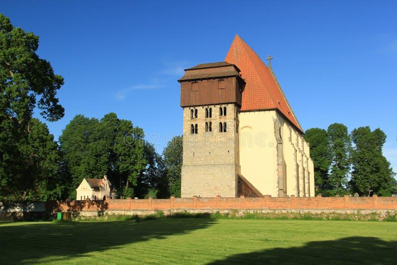 Historische romanic kerk van SV Jilji in Milevsko, Tsjechische republiek royalty-vrije stock afbeeldingen