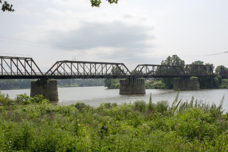 Historische spoorwegbrug Marietta Ohio royalty-vrije stock afbeeldingen