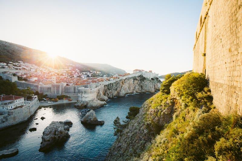 Historische stad van Dubrovnik bij zonsopgang, Dalmatië, Kroatië royalty-vrije stock foto's