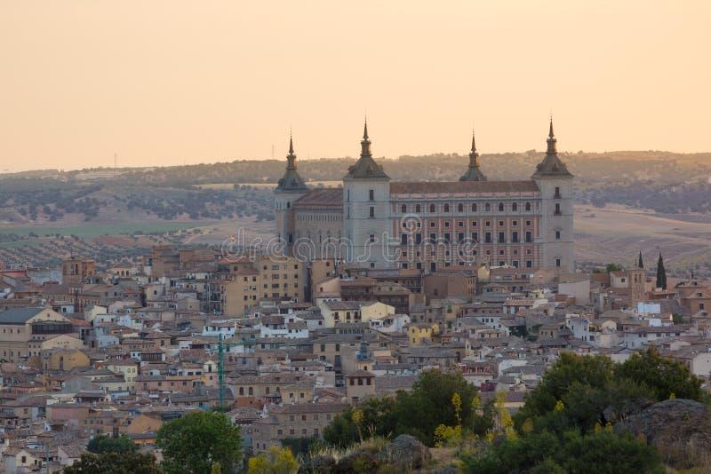 Historische stad van Toledo met vesting Alcazar, Spanje royalty-vrije stock afbeeldingen