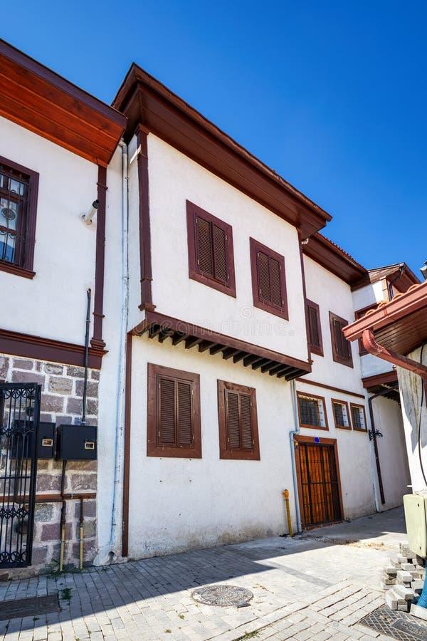 Historische türkische Restaurierungshäuser im Bezirk Hamamonu, Ankara, Türkei lizenzfreies stockfoto