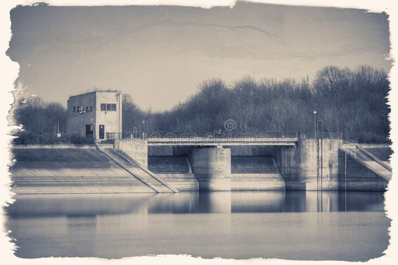 Historische waterkering in Mietkow, Polen stock fotografie