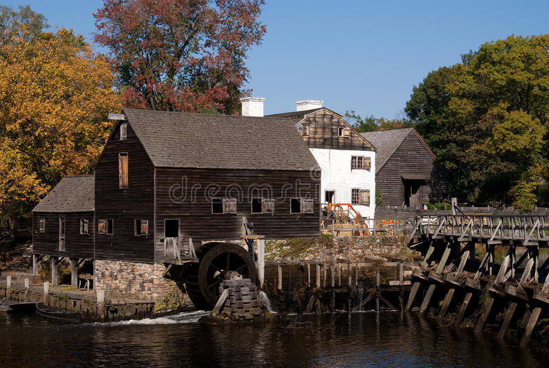 Historische watermolen, Philipsburg Manor, NY stock foto's