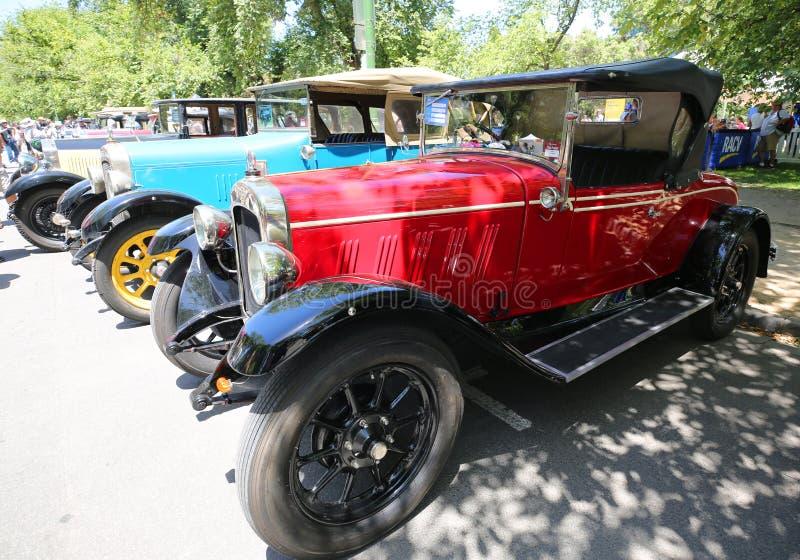 Historische Weinleseautos auf Anzeige bei 2019 königliches Automobile Club von Victoria Australia Day Heritage Vehicle-Schaukaste stockfotos