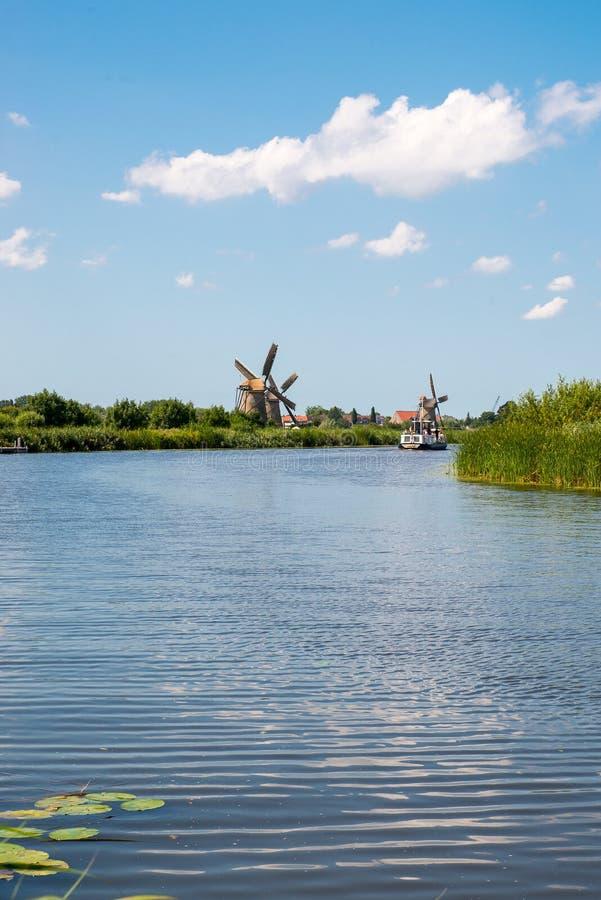Historische windmolen stock foto