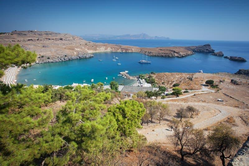 Historische Yacht in Lindos-Bucht auf Rodos-Insel stockfoto