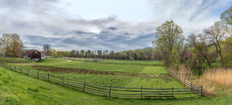 Historischer Bauernhof Panorama stockfotos