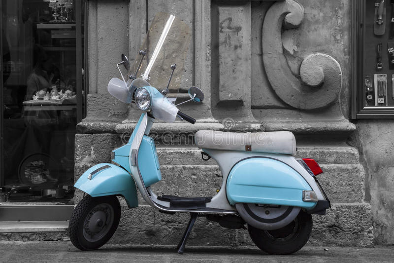 Historischer Italiener farbiger Motorradroller Rebecca 6 lizenzfreie stockfotografie