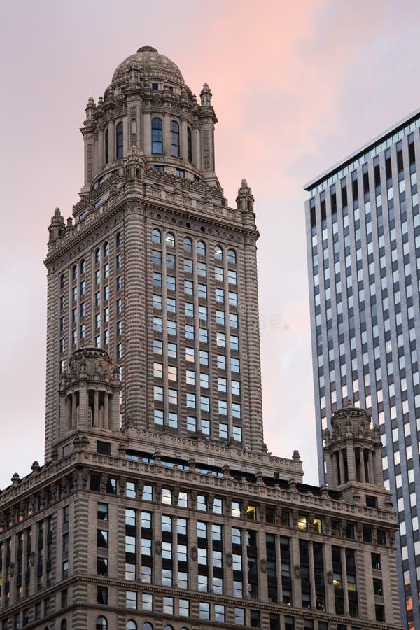 Historisches Gebäude in im Stadtzentrum gelegenem Chicago lizenzfreies stockbild