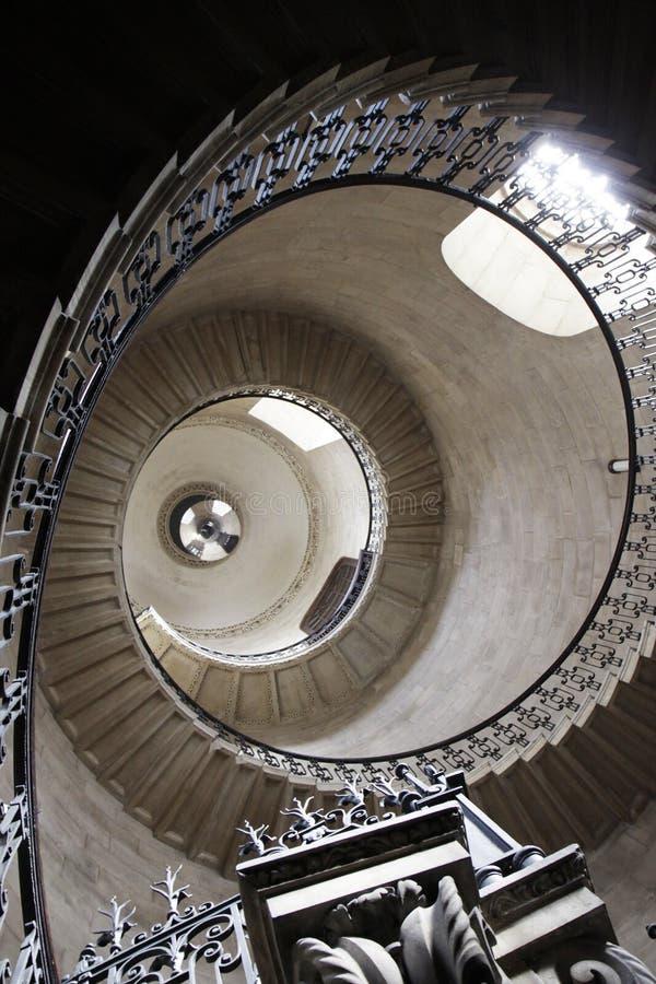 Historisches gewölbtes Gebäude in London stockbild