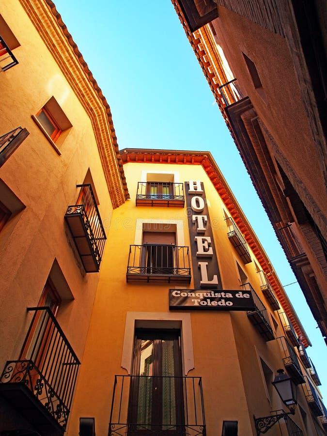 Historisches Hotel und Wohngebäude, Toledo, Spanien stockbild