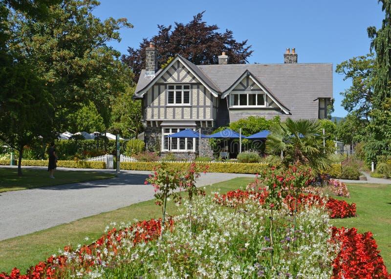 Historisches Kurator ` s Haus in den botanischen Gärten Christchurchs stockfoto