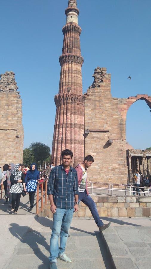 HISTORISCHES MINARETT NEU-DELHI DES MONUMENT-QUTAB stockfotografie